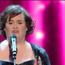 Sanremo 2010, prima serata: Susan Boyle si esibisce con I Dreamed a Dream