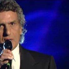 Sanremo 2010, prima serata: Toto Cutugno canta Aeroplani