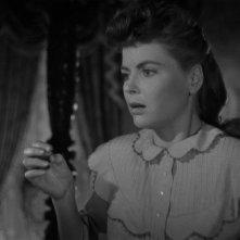Dorothy McGuire in una scena del film La scala a chiocciola (1946)