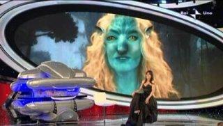 Sanremo 2010, seconda serata: Antonella Clerici trasformata in Avatar, intervista Michelle Rodriguez