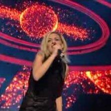 Sanremo 2010, seconda serata: l'esibizione di Irene Grandi
