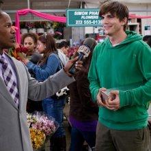 Ashton Kutcher e Jamie Foxx in una scena del film Appuntamento con l'amore