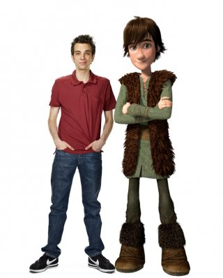 Jay Baruchel e il suo personaggio Hiccup Horrendous Haddock III in un'immagine promo del film Dragon Trainer
