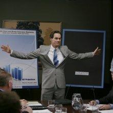 Jim Carrey in una riunione d'affari nel film I Love You Phillip Morris