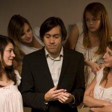 Emmanuel Mouret, beato tra le donne nella commedia Fammi divertire