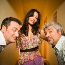 Una immagine promo del film Alta infedeltà, con Pino Insegno.