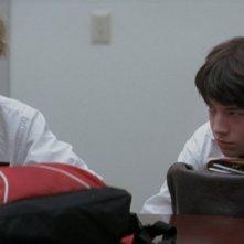 Jeremy Allen White e Ezra Miller in una scena del film Afterschool