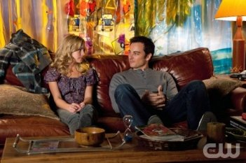 Life UneXpected: Brittany Robertson e Kerr Smith nell'episodio Bride Unbridled