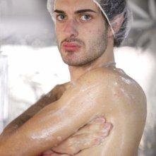 Grande Fratello 10, Maicol Berti sotto la doccia