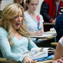 Katie Cassidy (Kris) grida spaventata in una scena del remake A Nightmare on Elm Street (2010)