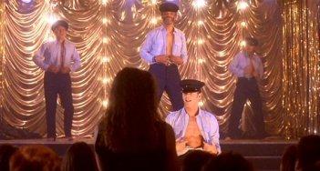 Una sequenza di strip-tease del film Full Monty