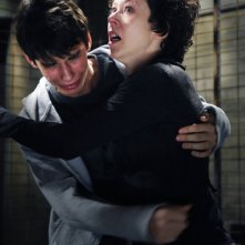 Devon Bostick e Shauna MacDonald in una scena del film Saw VI
