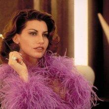 Gina Gershon in una scena del film Showgirls