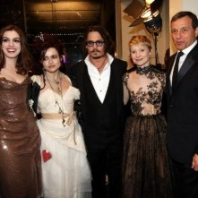 Helena Bonham Carter, Anne Hathaway, Johnny Depp, Mia Wasikowska e il presidente della Disney Robert A. Iger alla Royal World Premiere di Alice In Wonderland