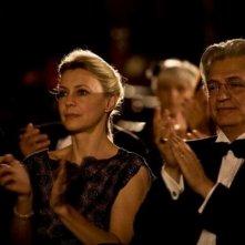 Fabrizio Bentivoglio e Margherita Buy in una scena della commedia Happy Family