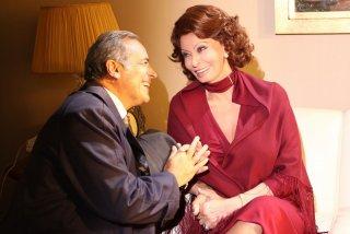 Sophia Loren ed Enzo De Caro in una scena della fiction La mia casa è piena di specchi