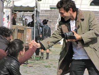Vinicio Marchioni in una scena del film Venti sigarette