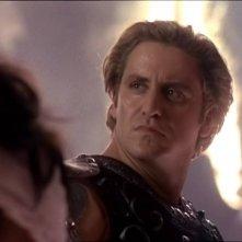 """Charles Mesure in una scena nell'episodio """"Fallen angel"""" del telefilm """"Xena"""""""