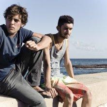 Dario Castiglio e Raffaele Vassallo in una scena del film Sul mare