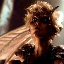 """Hudson Leick in una scena di \""""Xena\"""" nell\'episodio \""""Fallen angel\"""""""