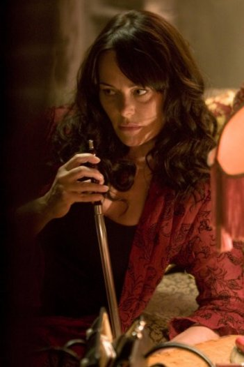 Caprica: Polly Walker nell'episodio There Is Another Sky