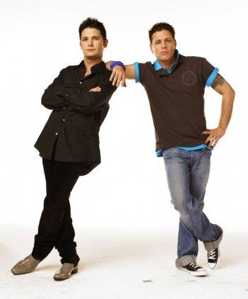 Corey Feldman e Corey Haim in un'immagine promo dello show 'The Two Coreys'.