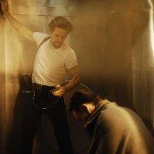 Gli attori Willem Dafoe e Ethan Hawke nel film Daybreakers - L'ultimo vampiro