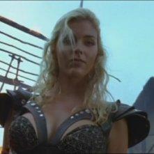 Hudson Leick in una scena di Xena nell\'episodio Callisto