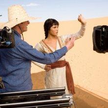 Il regista Mike Newell e Gemma Arterton sul set di Prince of Persia: Le Sabbie del Tempo