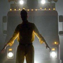 Ancora un'immagine di Doug Jones nei panni del gelataio nel film Legion