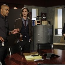 Criminal Minds: Paget Brewster, Shemar Moore e Matthew Gray Gubler in una scena dell'episodio Mosley Lane