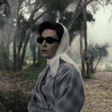 Mina Azarian in una scena del film Donne senza uomini