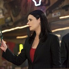 Paget Brewster e Shemar Moore nell'episodio Solitary Man di Criminal Minds