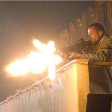 Paul Bettany è l'arcangelo Michele, impegnato nella missione salvifica dell'umanità, nel film Legion