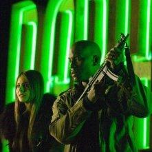 Tyrese Gibson e Willa Holland in una scena di Legion