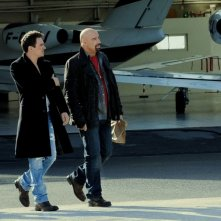 John Travolta e Jonathan Rhys Meyers in una scena del film From Paris with Love