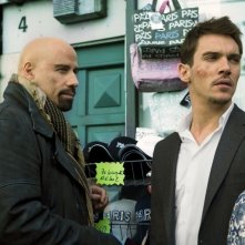 John Travolta e Jonathan Rhys Meyers, protagonisti dell'action movie From Paris with Love