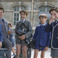 Maxime Godart e i suoi piccoli colleghi in una scena del film Il piccolo Nicolas e i suoi genitori