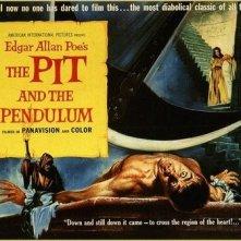 Una lobby card promozionale del film Il pozzo e il pendolo