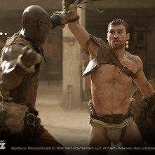 Una scena di lotta dalla serie Spartacus: Blood and Sand