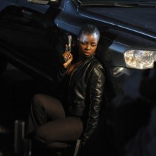 Justified: Erica N. Tazel in una scena di Fire in the Hole