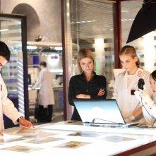 La squadra al lavoro in una scena di R.I.S. Roma