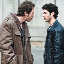 Reda Kateb e Tahar Rahim in un'immagine del film Il profeta (2009)