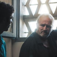 Tahar Rahim e Niels Arestrup in un'immagine del film Il profeta (2009)
