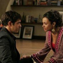 Michael Rady e Jessica Lucas nell'episodio Oriole di Melrose Place