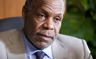 Primo piano di Danny Glover dal film I want to be a soldier