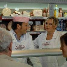 Barbara De Rossi ed Enzo Salvi in una scena della fiction Fratelli Benvenuti