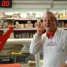Massimo Boldi in una scena della fiction Fratelli Benvenuti