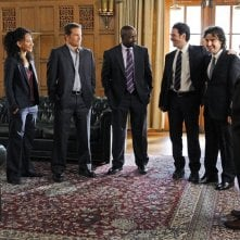Una foto di gruppo tratta dall'episodio Cause and Effect di Numb3rs