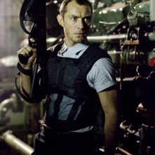 Jude Law in un'immagine del film Repo Men